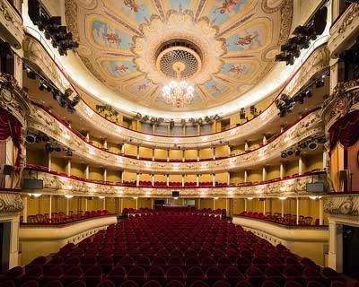 Svenska Theatern