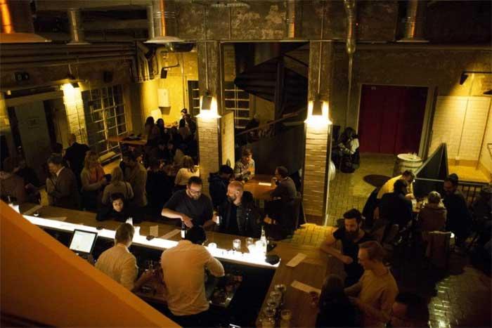 Tislaamokierros ja maistelua: Tislaamo - Distillery Bar