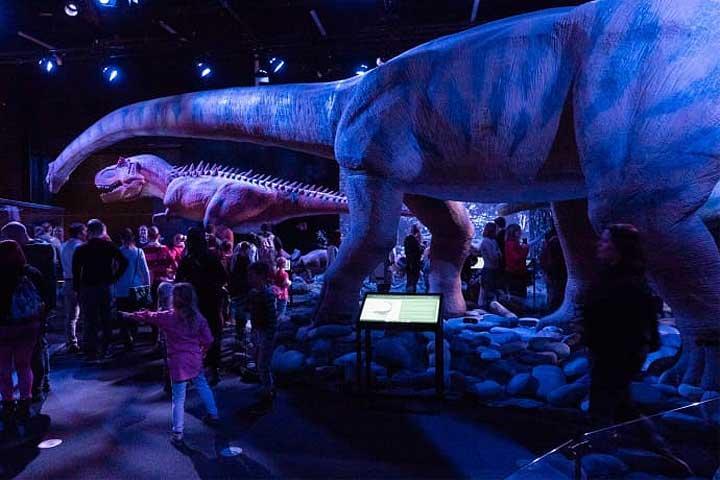 Jättimäiset dinosaurukset -näyttely Heurekassa