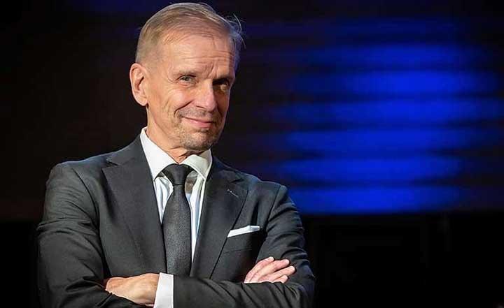 Jukka Puotila Goes Apollo