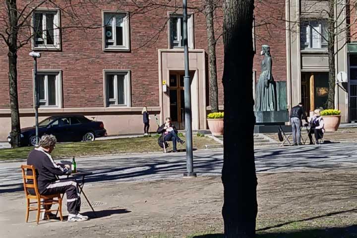 Piknikkiä Hämeenpuistossa