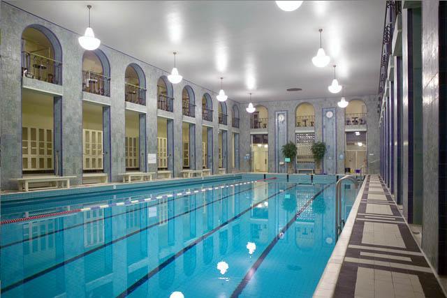 Yrjönkadun uimahalli tuo klassisen kylpyläkulttuurin nykypäivään. Kuva: Visit Helsinki, Mari Hohtari