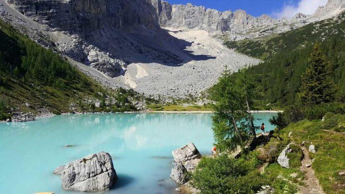 Sorapis järvi Italiassa Dolomiiteilla