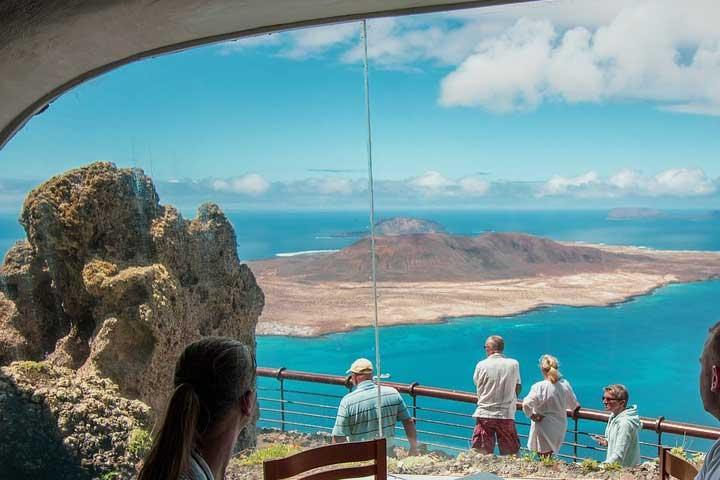 Mirador del Rio – Lanzaroten pohjoisrannikon näköalat ja maanalaiset luolat