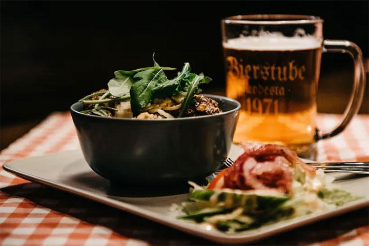 Saksalaistyyppinen ravintola Kuopiossa - Ravintola Bierstube