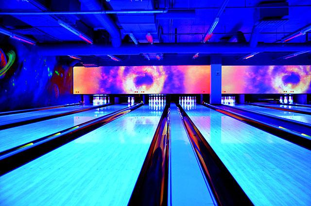 Space Bowling & Billiards